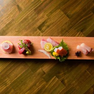 豊洲市場の鮮魚をお刺身で味わうなら新宿三丁目の【ぞんぶん】へ!