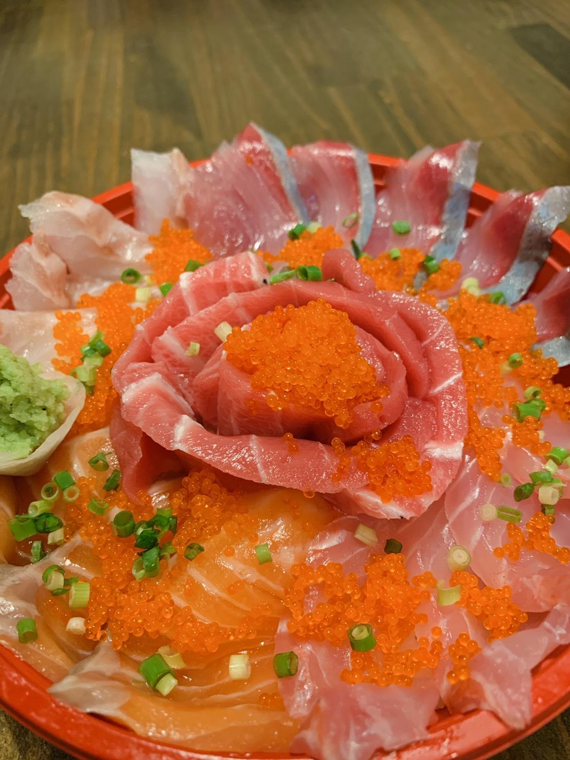 新宿三丁目で丼がお得に味わえる居酒屋【ぞんぶん】
